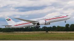 A6-PFE - Boeing 787.9 Dreamliner - Abu Dhabi Amiri Flight (PBe1958) Tags: slovakia sk bts lzib btslzib airport boeing b789 b7879 a6pfe abudhabiamiriflight