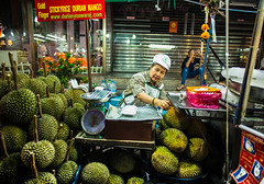 Durian master (Phg Voyager) Tags: durian mango street booth urban city urbanscape smile bangkok chinatown asia thailand china chinese fruits summer night light color outdoor leica 24mm phgvoyager fun tasty life photography goldfinger stickyrice rice eat dinner streetfood oldtown