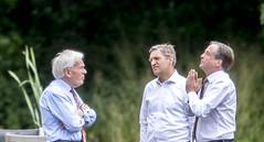 VVD, CDA, D66 en GL praten verder (algemeendagblad) Tags: praten en kiezen democratie politicus politiek holland cda verder d66 vvd gl kabinetsformatie partijpolitiek tk2017 denhaag nederland nld