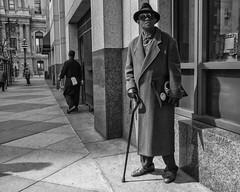 Chestnut Street, 2017 (Alan Barr) Tags: philadelphia 2017 chestnutstreet street sp streetphotography streetphoto blackandwhite bw blackwhite mono monochrome candid people city urban fujifilm fuji x70
