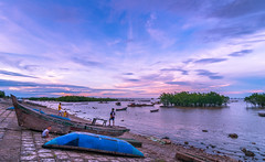 Wooden Boats (=Heo Ngốc=) Tags: sky smallboat sea romantic rise summer water woman woodenboat sunrise sunset reflection people cloud boat background beautiful golden orange light landscape viet nam kids clouds