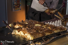 FXT13468 (kevinegng) Tags: japan aomoriprefecture hirosaki hirosakicastlepark 日本 青森県 弘前市 弘前公園 matsuri food okonomiyaki
