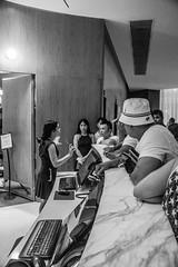 Recepción (Hector Armeida) Tags: recepcion reception hotel nautilus hotelnautilus miami beach miamibeach blackandwhite blancoynegro black white blanco negro