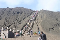 Stairway to the top of Mount Bromo (ferrybudisaputra) Tags: pesonaindonesia photography worldphotoghraphy streetphotography mountainview mountbromo mountainphotography mountain landscape wonderfulplace unique uniqueplace morning malangcity exploreindonesia indonesia indonesiaku indotraveler visitindonesia culture natureview nature scenery artofvisual visualbuildings visualambassador heatercentral bromo eastjava adventure traveling travellers natural folks canon