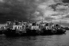 Before the Storm (VladimirTro) Tags: россия санктпетербург russia river reflection saintpetersburg sky cloud canon storm ship vessel neva europe 500d bw monochrome eos dslr photo photography 24mm