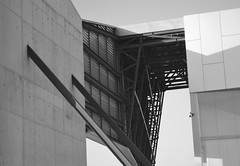 Shapes (javitm99) Tags: urban industrial urbano moderno modern minimalistic minimo minimal minimalismo minimalista arquitectura architecture gris negro blanco grey white black n w b bw bn siluetas sombras shapes