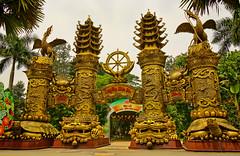 A DI DA PHAT QUAN THE AM BO TAT DAI THE CHI BO TAT GUANYIN KWANYIN BUDDHA 9711 (ketnoivietnam) Tags: affectionate amitabha architecture asia avalokitesvara awesome bangkok beautifull beijing palace bhutan bodhisattva bouddha buddha tooth relic temple buddhism buddhist china chua flickraward gold golden guanyin hainan hdr hong kong indian japan korea kuanim kuanyin kwanyin laos laughing light lotus flower lovely mantra meditation mount emei museum pagoda pagode 观音 佛 仏 부처님