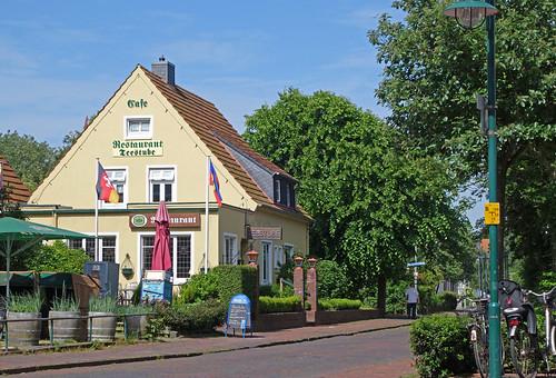 2017-06-02 06-18 Niedersachsen 378 Wangerooge, Teestube