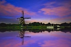De Hommel Windmill (l.cutolo) Tags: nightspot saturated water dusk netherlands tlp worldtrekker boats pinksky clouds dehommel molen night windmill reflections nightshorter sonyfe2470mmf40zaoss