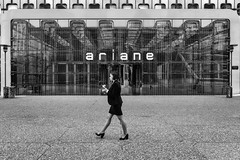 Ariane (Andrew G Robertson) Tags: paris france defense la streetphotography street monochrome femme lady architecture