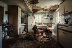 abandoned (blende einspunktacht) Tags: decay küche kitchen abandoned lostplaces verlasseneorte urbanexploration canon tokina table light rotten moldy