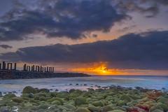 HDR Ingenio (mk2g1) Tags: nubes sand sun sol atlantic ocean relax canary islands grancanaria longexposure orilla mar playa costa paisaje libre océano cielo agua arena fuji xt2 1024 rocas musgo algas pescador fisherman rocks