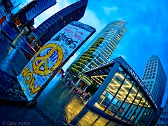 "Potsdamer Platz • <a style=""font-size:0.8em;"" href=""http://www.flickr.com/photos/44919156@N00/35635990142/"" target=""_blank"">View on Flickr</a>"