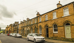 228 -  Saltaire - Houses without front gardens for workers (1 of 1) (md2399photos) Tags: 2jun17 almshouses davidhockney robertspark saltaire saltaireunitedreformedchurch saltsmill victoriahall