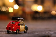 Italian car - Lucca, Toscana (Italy) [in explore 11.07.2017] (Pascal Dentan) Tags: jouet voiture italian light car night bokeh toscane italie italy italia toscana lucca