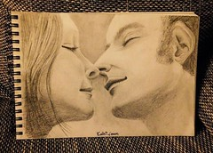 Love me like you do (Kathi Lemon) Tags: kuss kiss liebe paar zeichnung kohinoor pencils white black sepia drawing art woman man couple love