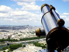 A lo lejos... Paris (Karloz Silva) Tags: paris francia torreeiffel tower turista viaje vacaciones vacations alolejos toureiffel alturas mirador