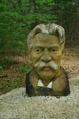 Eins und Alles, Albert Schweizer (reipa59) Tags: holz skulptur albertschweizer welzheim badenwürttemberg
