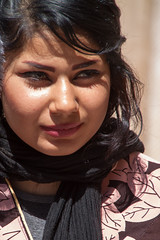 Bella mujer iraní - Beautiful iranian woman 1 (raperol) Tags: mujer woman iran retrato portrait cara belleza beautiful calle street