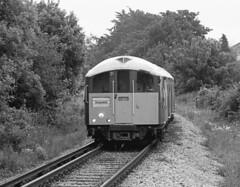 Approaching Shanklin (DH73.) Tags: isle wight island line southwest trains class 483 008 1938 tube stock shanklin minolta dynax 7000i 70210mm lens fp4 ilford id11 11 11mins blackandwhite