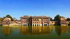 Deeg Palace !! (Lopamudra !) Tags: lopamudra lopamudrabarman lopa bharatpur deeg palace rajasthan jat royal building artistic architecture archaeological rup rupsagar water waterscape wave reflection reflexion ripples sunshine sunlight historical history india mirror picturesque creative lake pond sagar