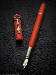 L1018039 (h.m.lenstalk) Tags: leica t typ 701 macro apo elmarit tl 60mm 60 12860 asph apomacroelmarittl stilllife product fountain pen fountainpen montblanc snake heritage