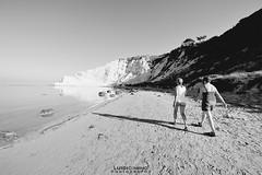 Il mare (luigicimino69) Tags: rosso mare biancoenero barche sole estate ombrellone spiaggia nikond700 clubnikon realmonte scaladeiturchi sabbia gabbiani pescatori lenze porto sicilia reti pesca nikonclubit samyang 14 mm