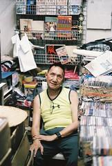 Mang Greg (Jose Mari Manio) Tags: philippines cartimar recto manila minolta srt film fujicolor superia portrait street filipino rokkor analog