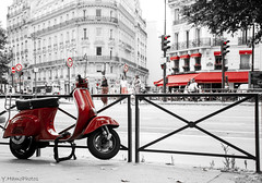 Red (Yohann Hamonic) Tags: yohannhamonic vespa rouge paris couleur selective red street rue explore