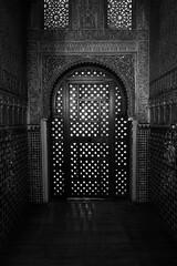 Granada's Alhambra (emilienerot) Tags: andalousie andalucia espagne espana spain andalusia summer été printemps spring alhambra grenade granada monochrome blackandwhite noiretblanc architecture fenêtre window