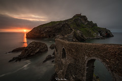 The Light Beyond the Storm (Pablo Moreno Moral) Tags: gaztelugatxe san juan nikon d810 light beyond storm luz tormenta islote bridge puente sunset atardecer
