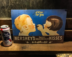 A kiss you for (BlogKing) Tags: elbar philly southkensington divebar hersheys
