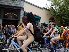 DSCN2165 (IantoJones2006) Tags: fremont solstice cyclists 2017 naked bike seattle parade nude painted body paint bicycle