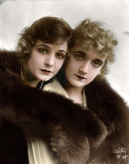 Norma Talmadge 1894 - 1957 - Constance Talmadge 1898 - 1973 (oneredsf1) Tags: actress colorized american hollywoodtalmadge norma constance