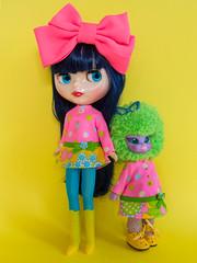 Mod Dress Spam! (Helena / Funny Bunny) Tags: funnybunny solidbackground blythe curlybluebabe juniperblue rbl emeraldwitch vintage doll 1972 custom drblythenstein yarnhead dorotealimezing
