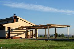 Amancece que no es poco (Reyes Arribas) Tags: gimnasio amanecer poco edificio arquitectura galera campo vallaodlid club