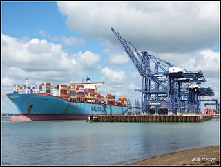 'Evelyn Mersk' Leaving Felixstowe Docks