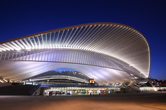 Gare Guillemins (Mettwoosch) Tags: liege belgium europe gareguillemins lüttich belgien europa bahnhof trainstation night lights longexposure sky nacht lichter langzeitbelichtung himmel outdoor travel architecture architektur building gebäude bluehour blauestunde canon eos 5dm3 ef lens 5d3