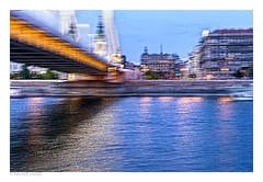 pasaje (héctoR condE) Tags: rio budapest hungría puente ensayo arquitectura danubio edificios edificio puentes desenfoque