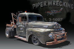 Piper Wrecking - 1952 Ford Wrecker (Brad Harding Photography) Tags: 1952 52 firefest silversteineyecenterarena independence missouri carshow antique vintage classic wrecker ford piperwrecking utility truck
