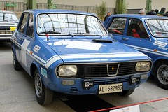 #135 Renault 12 Gordini 1972 (seb !!!) Tags: 2017 auto automobile automovel automovil automobil berline canon 1100d cars course sportive anciennes ancienne old oldtimers populaire paris seb france voiture wagen car tour optic 2000 grand palais française français french französisch frankreich francia frança francese francês francés race racing competition photo picture foto image bild imagen imagem bleu blau blue azul blu bande strip streifen tira striscia blanc blanche white blanco branco bianco weiss classique classic klassic