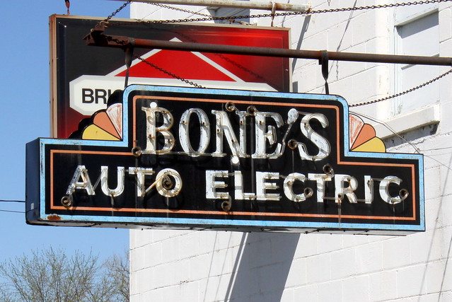 Bone's Auto Electric neon sign - Bowling Green, KY