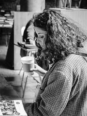 Pause Café (Napafloma-Photographe) Tags: 2017 architecturebatimentsmonuments artetculture bandw bw bã¢timents fr france fuji fujinã©opan400 gã©ographie hautsdefrance mã©tiersetpersonnages personnes techniquephoto vielleboursedelille blackandwhite monochrome napaflomaphotographe noiretblanc noiretblancfrance pellicules photographe photographie portrait province