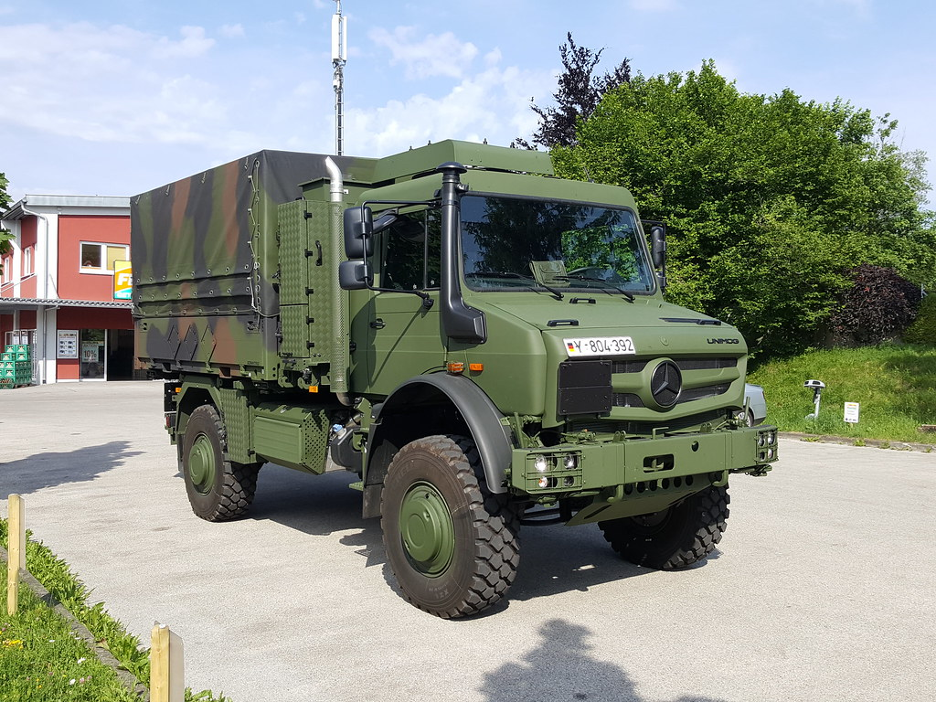 the world 39 s best photos of army and unimog flickr hive mind. Black Bedroom Furniture Sets. Home Design Ideas