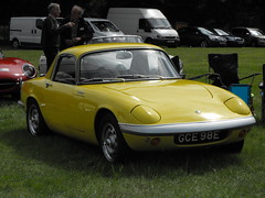 Lotus Elan - GCE 98E (2) (Andy Reeve-Smith) Tags: lotus elan sports louth louthclassiccarshow deightonfields lincolnshire lincolnshirewolds gce98e