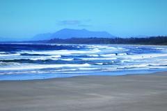 Wickaninnish Beach (Jessie T*) Tags: wickaninnishbeach pacificrimnationalpark canada vancouverislandbc surfers sandybeach breakers ocean pacificocean cans2s