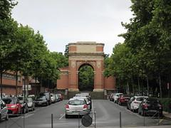 War memorial arch, Boulevard Général Sibille, Albi, France (Paul McClure DC) Tags: albi france july2017 occitanie languedoc