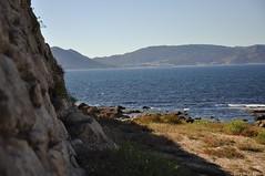 Castro de Baroña. Galicia. Playa (adribouzada) Tags: castros baroña gallegos galicia mar celtas agua piedras paisaje naturaleza