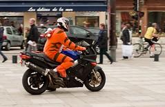 Tigrou en moto !! (phonia20) Tags: moto deuxroues motorcycle motard humour street rue costume déguisement carnaval fun ride rouler pentax pentaxart