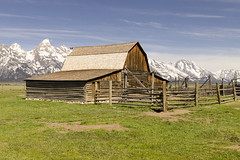 Moulton Barn (rschnaible) Tags: grand teton national park us usa west western landscape building architecture sightseeing rugged mountains wyoming old history historic mormon row moulton barn farm farming ranch ranching